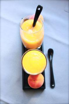 Petits repas entre amis: Soupe d'abricots rôtis { huile essentielle de basilic & thym effeuillé }