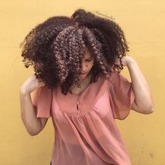See this Instagram photo by @samanthapollack • || Afro hair. Afro curls. Curly fro. Afro-textured hair. Natural hair. Curly hair. Kinky curly hair. Curly girl. Big hair. Thick natural hair.
