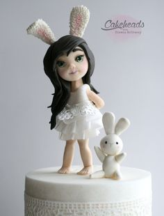 Video: Bunny Girl Figure (using the Face Mold) – On CakeHeads.com , Learn the art of cake decorating