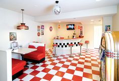Basement Bar & 50s Diner