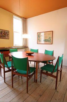 Kombinationen esstisch rund gürne stühle Wandfarben orange decke
