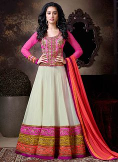 Looking to buy Anarkali online? ✓ Buy the latest designer Anarkali suits at Lashkaraa, with a variety of long Anarkali suits, party wear & Anarkali dresses! Anarkali Dress, Anarkali Suits, Pakistani Dresses, Lehenga Choli, Indian Dresses, Indian Outfits, Indian Clothes, Long Anarkali, White Anarkali