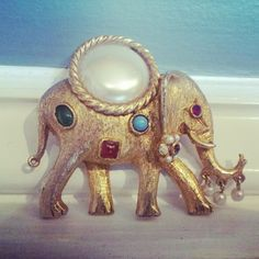 A vintage elephant brooch! How awesome is he?