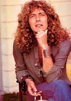 Robert Plant. OMG, could he be any more beautiful here?