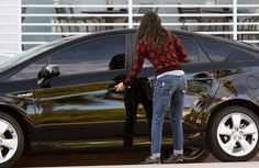 Demi Moore and her Toyota Prius