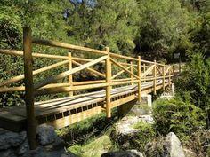 Excursions amb nens: ÀREA DE LA FRANQUETA, A LA TERRA ALTA. Excursions als estrets, al racó de corretja, la marbrera, la cova de picasso i roca llisa.