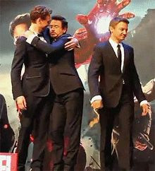 Let me love you | Loki | Tom Hiddleston | Iron Man | Robert Downey Junior This is such a cute pic. I love it!