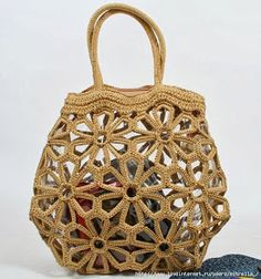 Crochet Patterns: Looking for the Flower Bag Pattern - Crochet Diy, Love Crochet, Crochet Crafts, Crochet Projects, Crochet Flowers, Crochet Handbags, Crochet Purses, Crochet Bags, Crochet Stitches