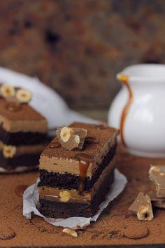 Prajitura cu ciocolata, caramel si alune/ Chocolate,caramel and hazelnuts entremet | Pasiune pentru bucatarie