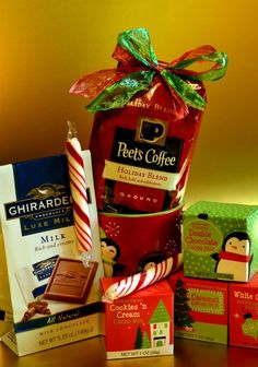 Peet's Holiday Blend coffee can be paired with other gift items for an easy gift idea! Diy Holiday Gifts, Holiday Crafts, Holiday Recipes, Holiday Ideas, Christmas Gift Baskets, Coffee Drink Recipes, Blended Coffee, I Love Coffee