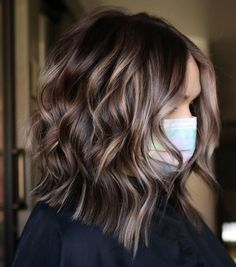 Brown Hair With Lowlights, Brunette Hair With Highlights, Highlights For Dark Brown Hair, Dark Brunette Hair, Brown Hair Balayage, Hair Color Highlights, Brown Hair Colors, Highlighted Hair For Brunettes, Highlights For Brunettes