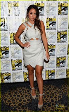 Chloe Bennet: 'Agents of S.H.I.E.L.D.' Panel at Comic-Con | Camilla and Marc dress, Inge Christopher clutch, L.A.M.B. heels and a Kabana ring