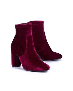 e7da5ebde113 Manzano montblanch burdeos Ankle high boot and block heel in burgundy