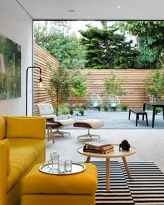 40 Stylish Yellow Living Room Color Schemes Design Ideas - My Design Fulltimetraveler Living Room Color Schemes, Living Room Colors, Cozy Living Rooms, Living Room Designs, Living Room Yellow, Patio Interior, Interior Exterior, Exterior Colors, Interior Design