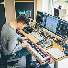 Home studio music production 19 Ideas Home Recording Studio Setup, Home Studio Setup, Music Studio Room, Sound Studio, Studio Gear, Studio Room Design, Studio Interior, Interior Design, Universidad Ideas