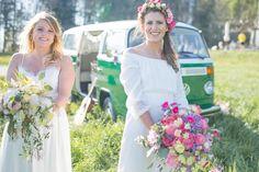 Ein gleichgeschlechtliches Styled Shooting mit Hippie-Bus Boho, Real Weddings, Wedding Dresses, Style, Fashion, Wedding Bride, Nice Asses, Bride Dresses, Swag
