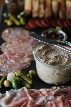 Eggplant pate HonestlyYUM for entertaining maybe add some nooch for a meatier undertone Pate Recipes, Veggie Recipes, Appetizer Recipes, Low Carb Recipes, Cooking Recipes, Healthy Recipes, Kitchen Recipes, Vegetarian Pate, Vegan Pate