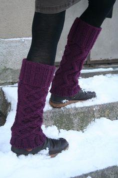 Pretty legwarmers from Hanna-Kaisa on Raverly Knitting Accessories, Diy Dress, Knitting Socks, Leg Warmers, Diy Clothes, Lana, Crochet Projects, Knitting Patterns, Knit Crochet