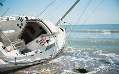 Do you know what to do if you run your boat aground? Follow these tips. #beaconwatch
