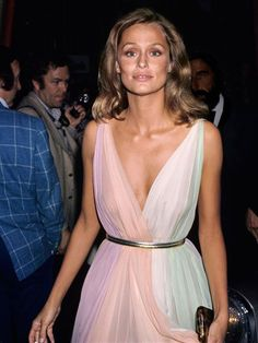 Lauren Hutton - Lauren Hutton's bouncing blowout and allover tawny glow would look as fresh on the red carpet today as it did in 1975.