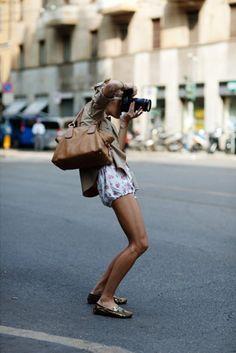 Girl with camera - looks like Rhea!
