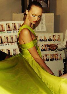 Gemma Ward |Backstage atEmanuel Ungaro Spring/Summer 2007