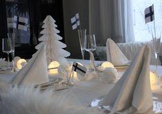 Suomi 100 kattaus Table Settings, Table Decorations, Furniture, Home Decor, Decoration Home, Room Decor, Place Settings, Home Furnishings, Home Interior Design