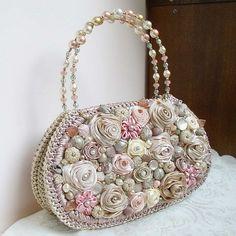Sewing bags diy handbags products ideas for 2019 Bead Embroidery Jewelry, Beaded Embroidery, Diy Bags No Sew, Felt Purse, Diy Handbag, Boho Bags, Beaded Bags, Vintage Purses, Crochet Purses