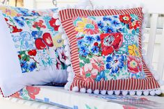 Meadowbrook Farm: pillow pals. Vintage tablecloths turned into pillows.  Not a tutorial, but awesome for inspiration!  Love these colors!