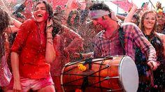 Top 12 Bollywood Songs for the Holi Festival Hindu Festivals, Indian Festivals, Bollywood Songs, Bollywood Actors, Holi Dance, Happy Holi Status, New Holi, Bollywood Wallpaper, Holi Party