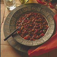 Entrees: Vegetarian Chili - This tasty, low-fat chili contains four different runner-friendly foods: canola oil, sweet red peppers, tofu and black beans. From @Runner's World #vegetarianrecipes,