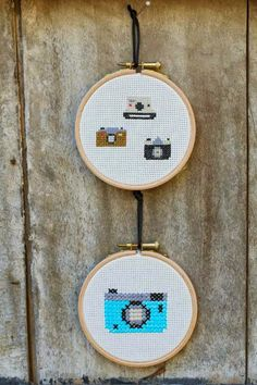Kit 300 ideas a punto de cruz - Casa - Deco - DMC Tiny Cross Stitch, Cross Stitch Books, Simple Cross Stitch, Cute Embroidery, Hand Embroidery Designs, Cross Stitch Embroidery, Modern Cross Stitch Patterns, Cross Stitch Designs, Cross Stitching