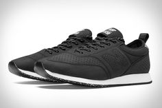 Some shoes are meant for running. Some for walking. The New Balance C-Series 600 Cycling Sneaker is meant for cycling. Designed in the company's Tokyo studio, it features a reflective material that shine through the perforated synthetic upper for added...