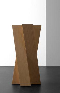 Zigi pedestal