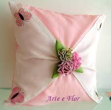 Resultado de imagem para almofadas com flor de fuxico