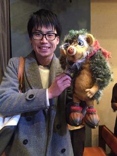 ハリネズミの人形と増田屋祐介