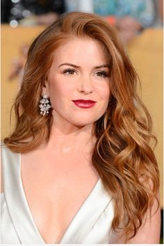 At 37 years ol... Isla Fisher ...