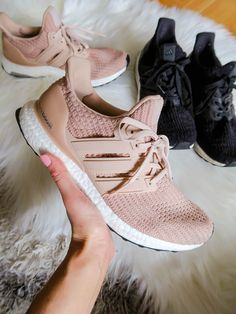 sports shoes e05df 9c163 Adidas UltraBoost Sneakers Best Leggings, Sports Leggings, Comfortable  Sneakers, Travel Shoes, Ultraboost