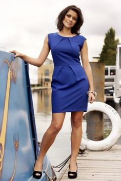 images of lucy verasamy hair styles Itv Weather Girl, Weather Girl Lucy, Hottest Weather Girls, Lucy Wilde, Juicy Lucy, Tv Girls, Le Jolie, Office Fashion, Skirt Outfits