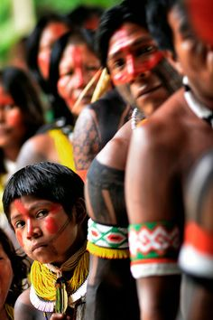 Bob Menezes: KAYAPÓ - brasil, pará. Tribes Of The World, People Of The World, Brazil Amazon, Forest People, Xingu, Historia Universal, Indian People, American Spirit, First Humans
