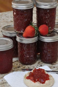 Rhubarb Strawberry Jam - Preserve fresh strawberries while they're in season this summer with this Rhubarb Strawberry Jam recipe. Rhubarb Recipes, Jam Recipes, Canning Recipes, Strawberry Rhubarb Jam, Strawberry Jam Recipe, Strawberry Jello, Food Stands, Jam And Jelly, The Fresh