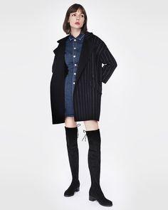 Cizme peste genunchi din piele elastica suede stretch, toc de 4.5 cm. Textura fina Goth, Fashion, Gothic, Moda, Fashion Styles, Goth Subculture, Fashion Illustrations