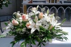 Maybe as a round with more colour Hannah? Funeral Floral Arrangements, Table Flower Arrangements, Beautiful Flower Arrangements, Floral Centerpieces, Wedding Centerpieces, Altar Flowers, Church Flowers, Funeral Flowers, Bridal Shower Flowers