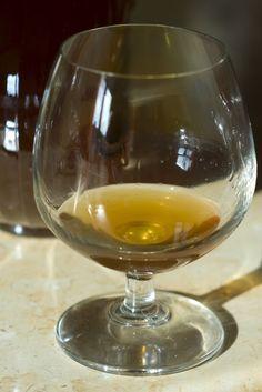 Irish Cream, White Wine, Alcoholic Drinks, Food And Drink, Glass, Drinkware, Corning Glass, White Wines, Liquor Drinks