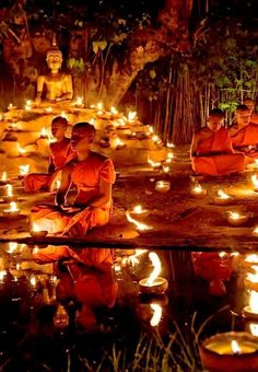 Buddhist Monks in Thailand! Click through to read 5 Reasons Why The World Is Obsessed With Thailand! Buddhist Meditation, Buddhist Monk, Buddhist Temple, Buddhist Art, Places Around The World, Around The Worlds, Image Zen, Yoga Studio Design, Religion