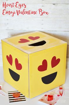 This Heart Eyes Emoji Valentine Box is the perfect box for collecting all those cute Valentine's from school. The heart eyes are perfect for Valentine's day too! Valentines For Kids, Valentines Gift Box, Valentine Boxes For School, Valentine Cards, Valentine Ideas, Valentine Stuff, Heart Eyes, Diy Valentine's Box, Eyes Emoji