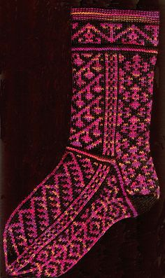 Red Bird Knits designer Robyn Gallimore creates intricate colourwork pattern designs for socks and other accessories, knit in Fair Isle style. Fair Isle Knitting, Knitting Socks, Knit Socks, Knitting Designs, Knitting Patterns, Weaving Patterns, Crochet Projects, Knit Crochet, Mittens