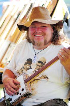Mississippi Blues Box Guitars.