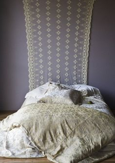comfy nuetral bedding .....