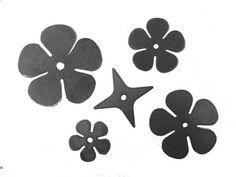 Blacksmith Supplies, Blacksmith Projects, Welding Projects, Horseshoe Crafts, Horseshoe Art, Leaf Flowers, Paper Flowers, Art Flowers, 12 Roses